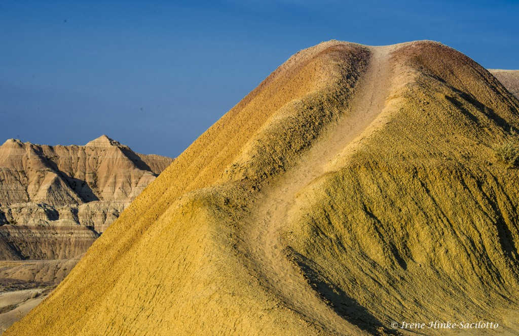 Yellow mounds near Dillon Pass