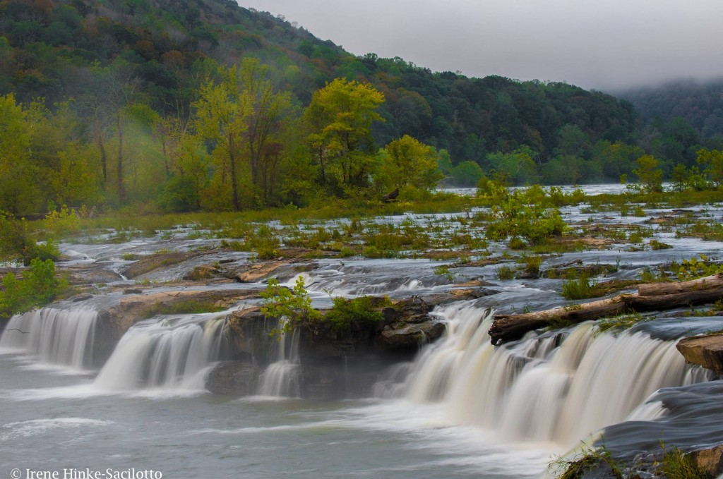 Overcast day, low contrast, Sandstone Falls