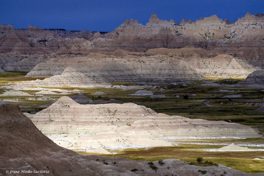 Shifting light with layers of badlands